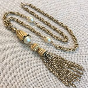 Vintage Goldtone Textured Chain Pearls & Tassel